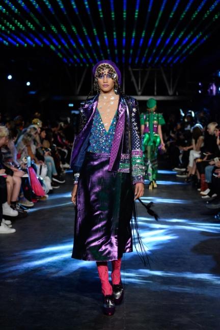 manish-arora-paris-fashion-week-spring-summer-2016-43