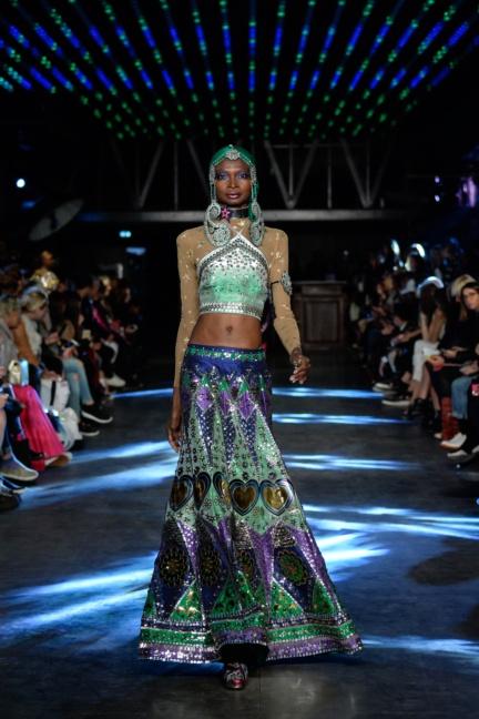 manish-arora-paris-fashion-week-spring-summer-2016-44
