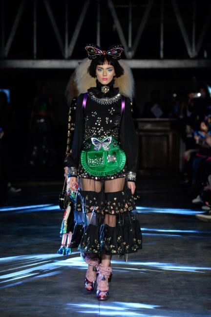 manish-arora-paris-fashion-week-spring-summer-2016-46