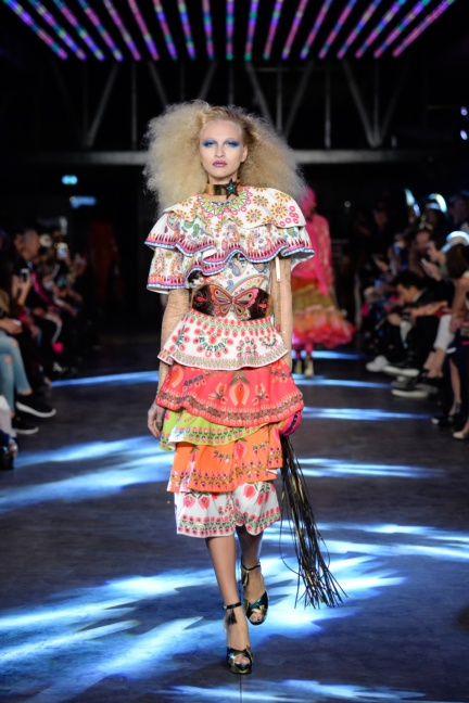 manish-arora-paris-fashion-week-spring-summer-2016-7