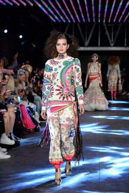 manish-arora-paris-fashion-week-spring-summer-2016-9