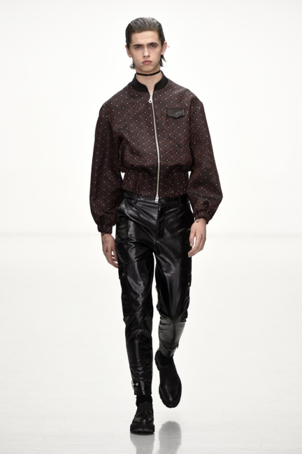 sean-suen-paris-men-aw-16-18