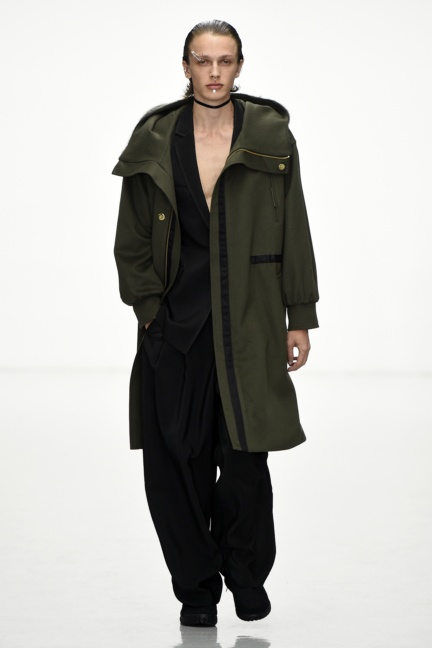 sean-suen-paris-men-aw-16-6