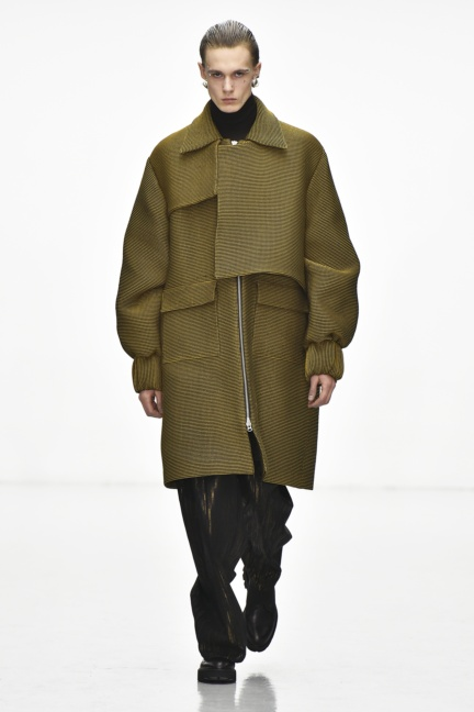 sean-suen-paris-men-aw-16-8