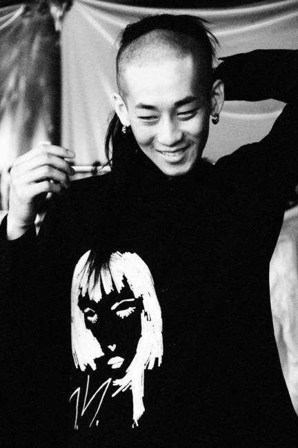 yohji-yamamoto-paris-mens-aw-16-14