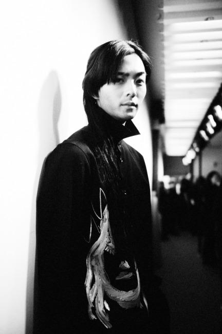 yohji-yamamoto-paris-mens-aw-16-17