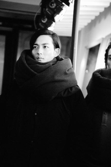 yohji-yamamoto-paris-mens-aw-16-50