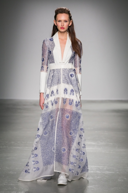 rahul-mishra-paris-fashion-week-aw-16-8
