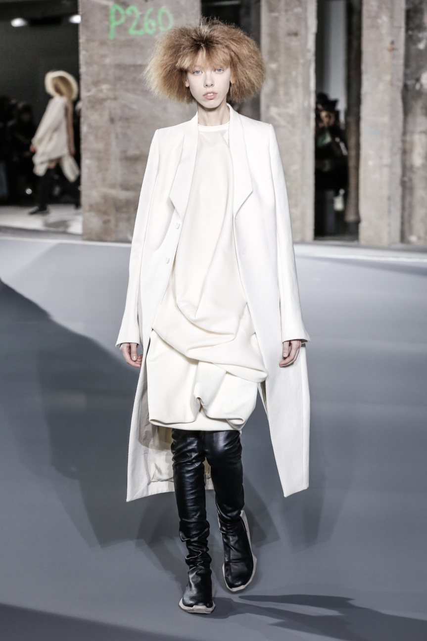 rick_owens_fallwinter2016_look_01