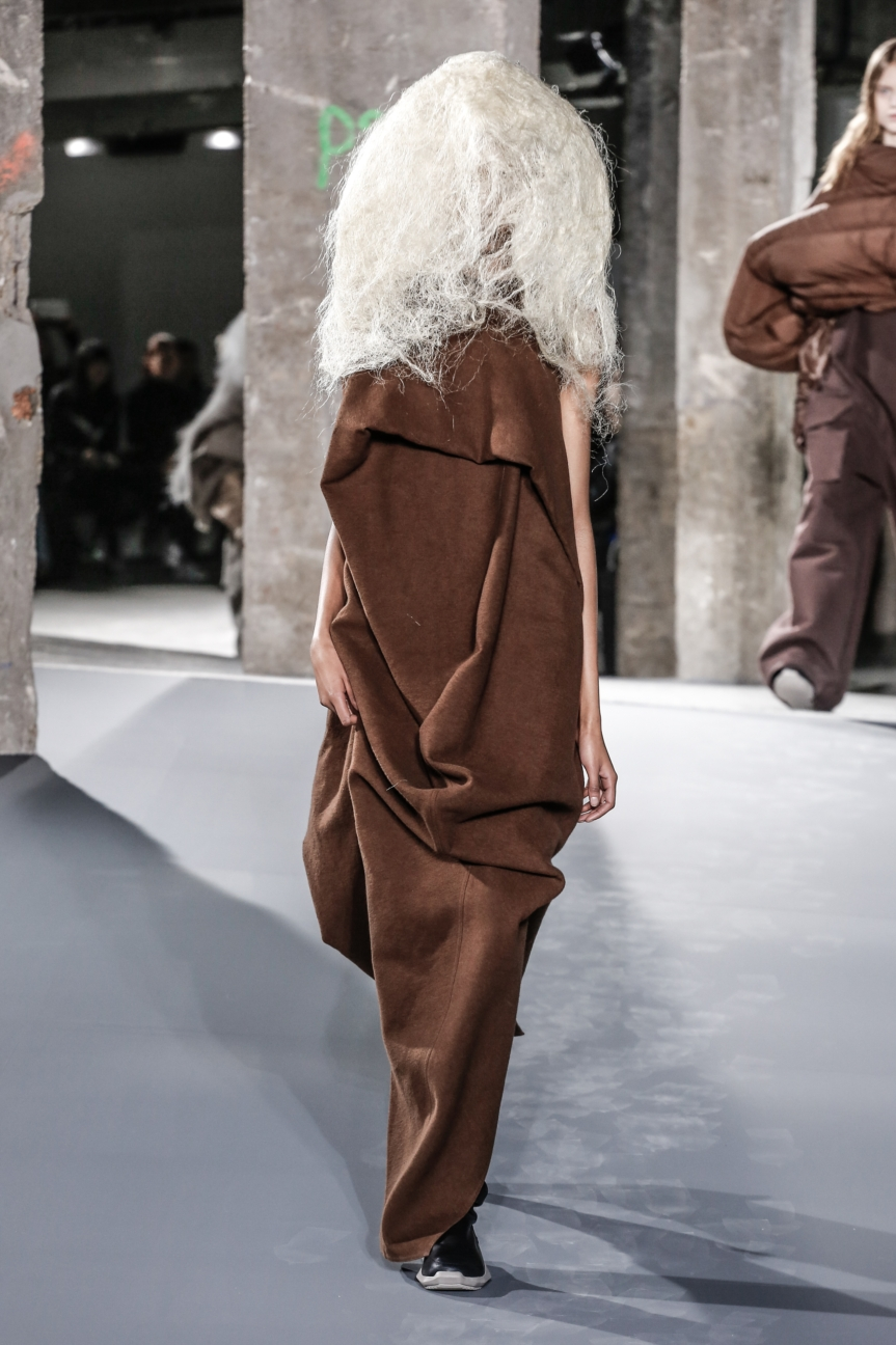 rick_owens_fallwinter2016_look_37