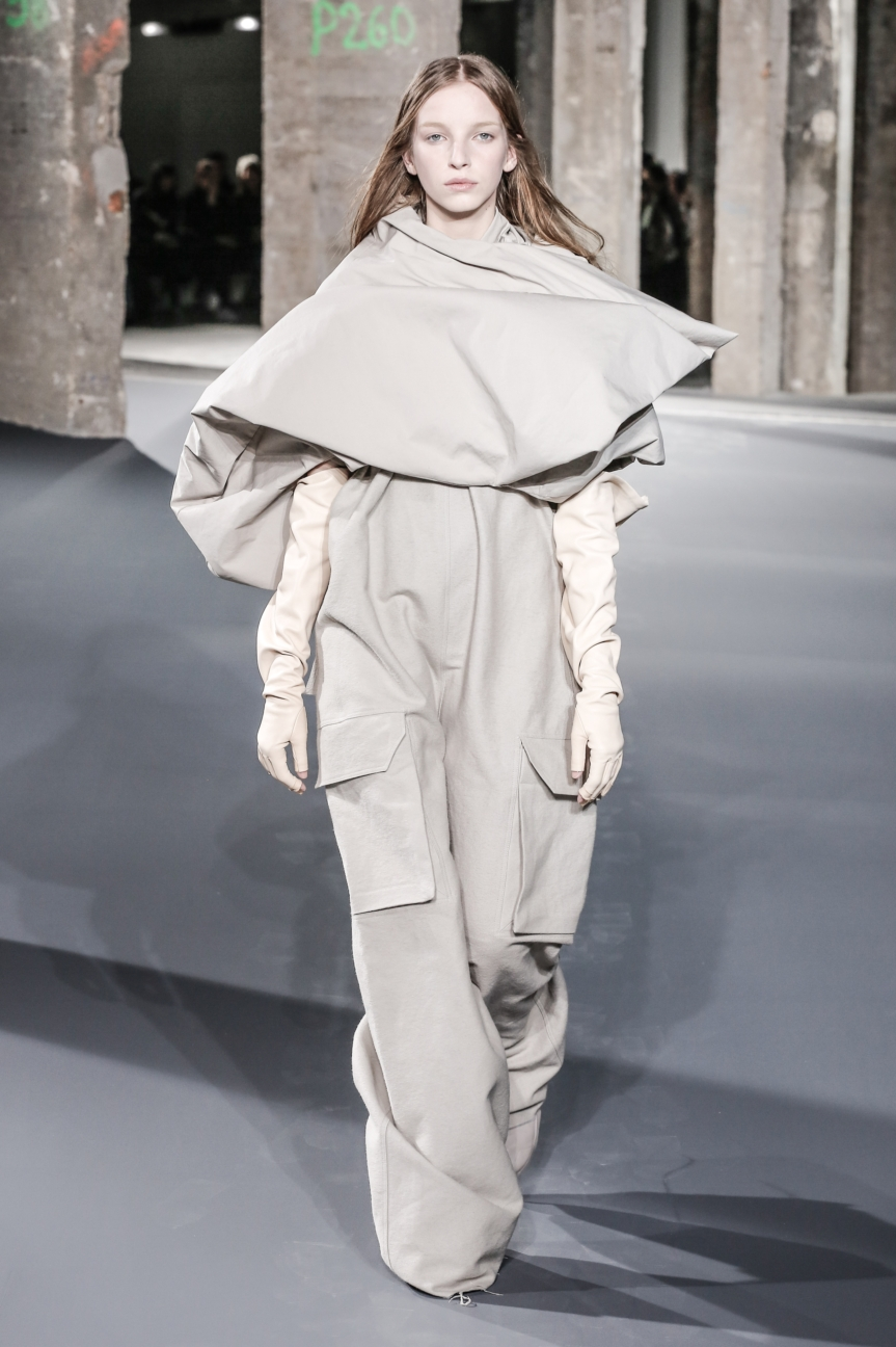 rick_owens_fallwinter2016_look_40