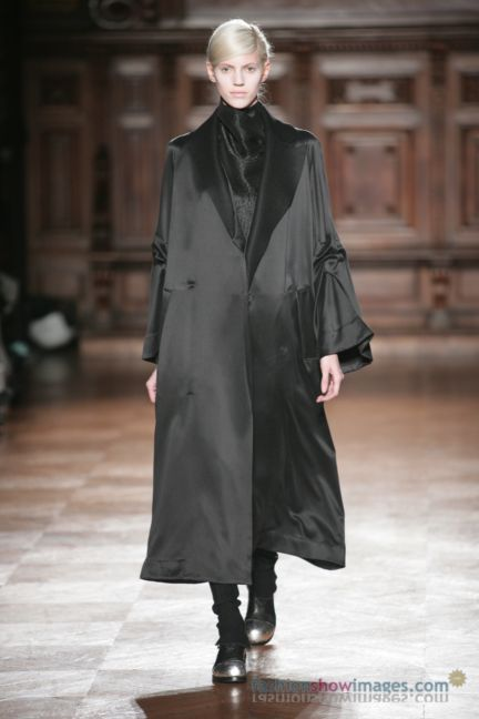 aganovitch-paris-fashion-week-autumn-winter-2014-11