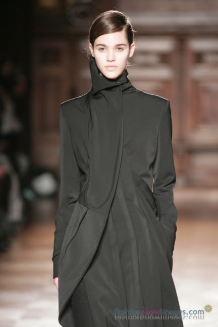 aganovitch-paris-fashion-week-autumn-winter-2014-24