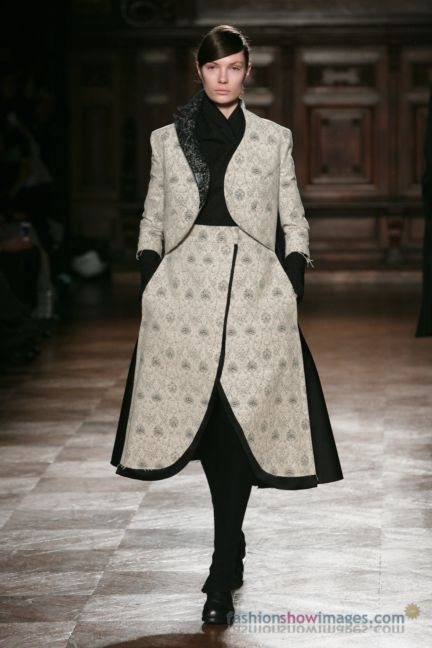 aganovitch-paris-fashion-week-autumn-winter-2014-25