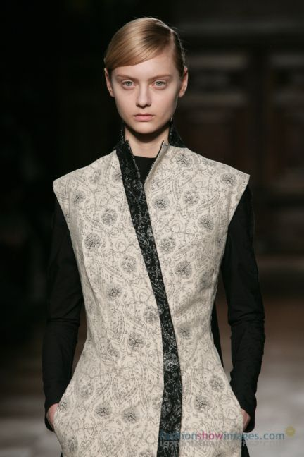 aganovitch-paris-fashion-week-autumn-winter-2014-28