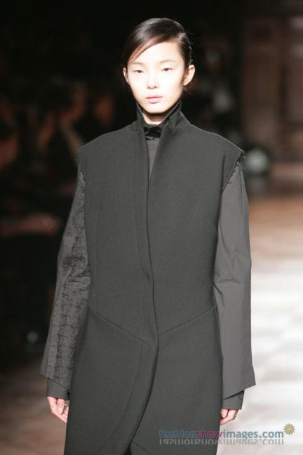 aganovitch-paris-fashion-week-autumn-winter-2014-30