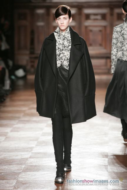 aganovitch-paris-fashion-week-autumn-winter-2014-33