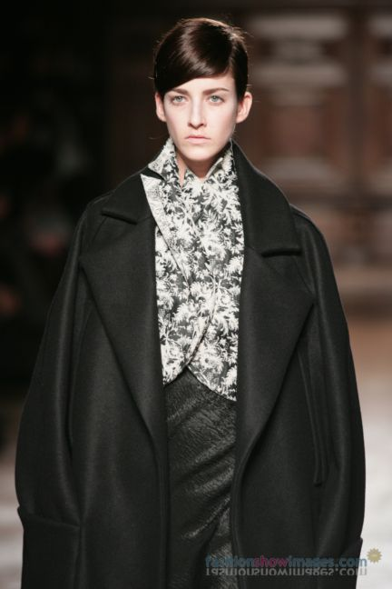 aganovitch-paris-fashion-week-autumn-winter-2014-34