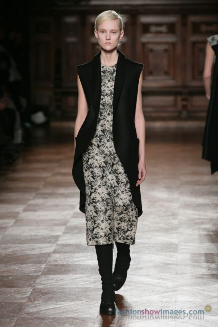 aganovitch-paris-fashion-week-autumn-winter-2014-37
