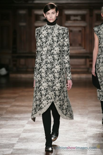 aganovitch-paris-fashion-week-autumn-winter-2014-39