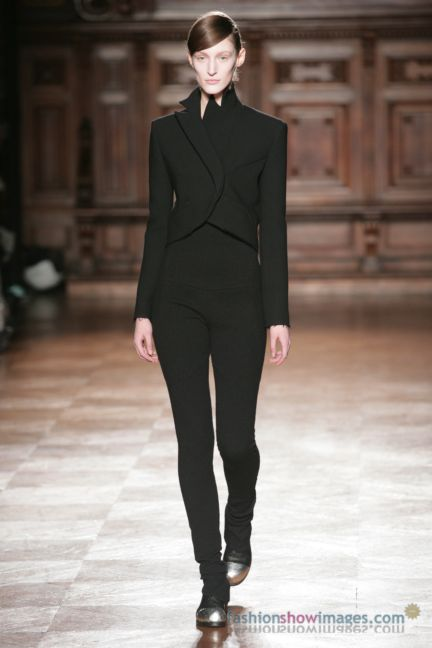 aganovitch-paris-fashion-week-autumn-winter-2014-41
