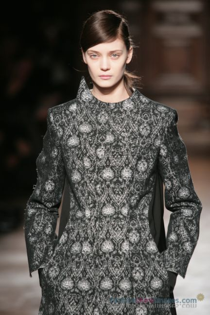 aganovitch-paris-fashion-week-autumn-winter-2014-44