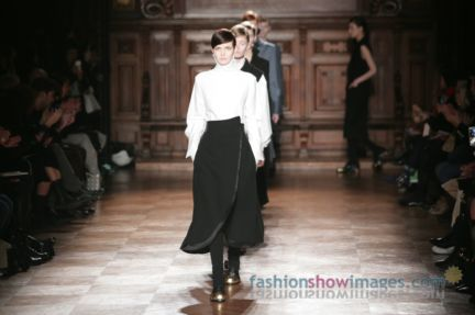 aganovitch-paris-fashion-week-autumn-winter-2014-53