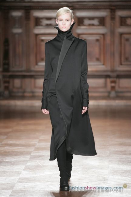 aganovitch-paris-fashion-week-autumn-winter-2014-60