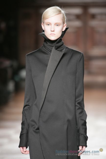 aganovitch-paris-fashion-week-autumn-winter-2014-61