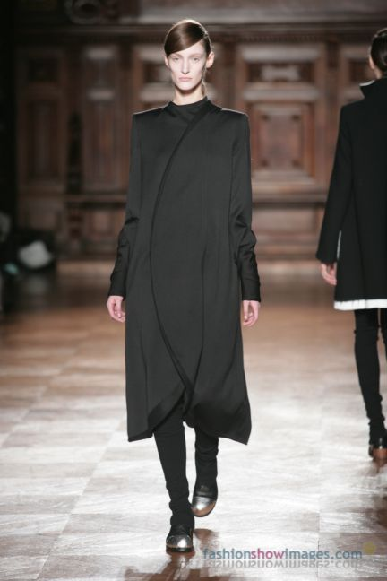 aganovitch-paris-fashion-week-autumn-winter-2014-7