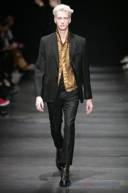 ann-demeulemeester-paris-fashion-week-autumn-winter-2014-11