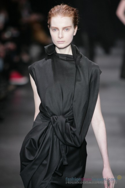 ann-demeulemeester-paris-fashion-week-autumn-winter-2014-18