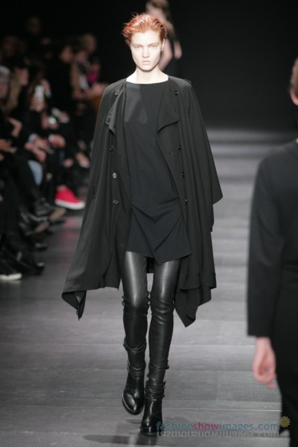 ann-demeulemeester-paris-fashion-week-autumn-winter-2014-19