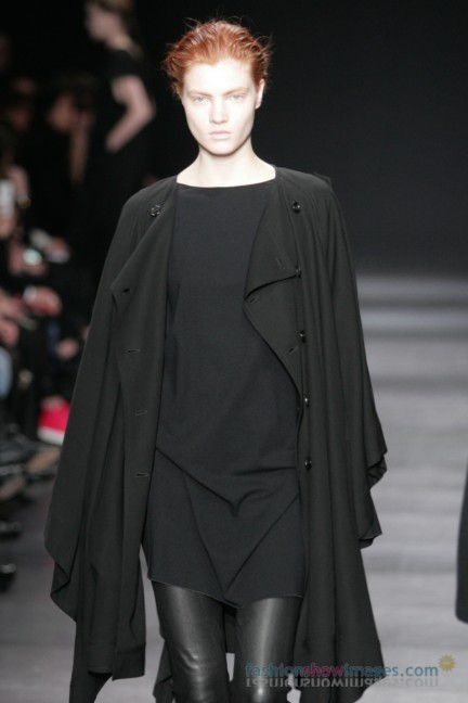 ann-demeulemeester-paris-fashion-week-autumn-winter-2014-20