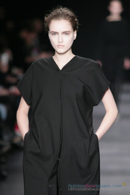 ann-demeulemeester-paris-fashion-week-autumn-winter-2014-22