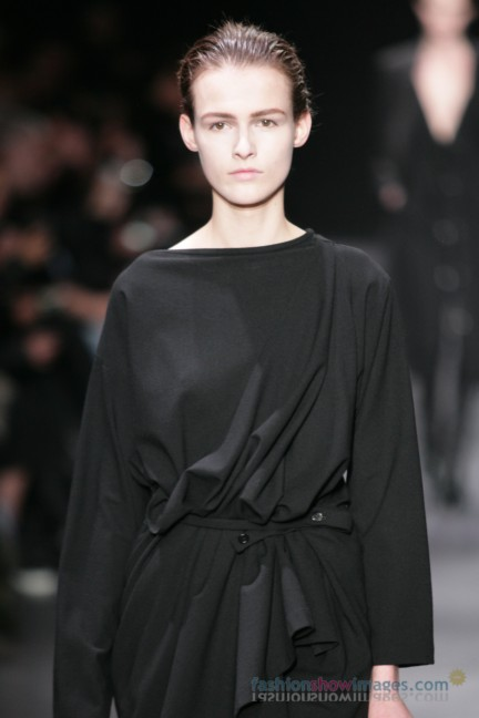 ann-demeulemeester-paris-fashion-week-autumn-winter-2014-24