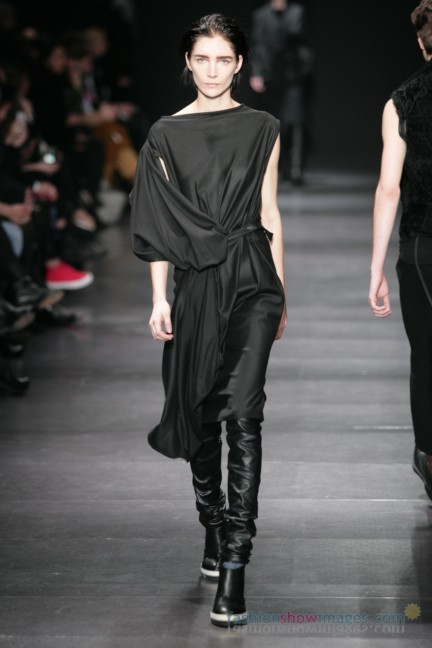 ann-demeulemeester-paris-fashion-week-autumn-winter-2014-26