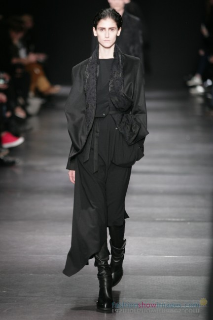 ann-demeulemeester-paris-fashion-week-autumn-winter-2014-28