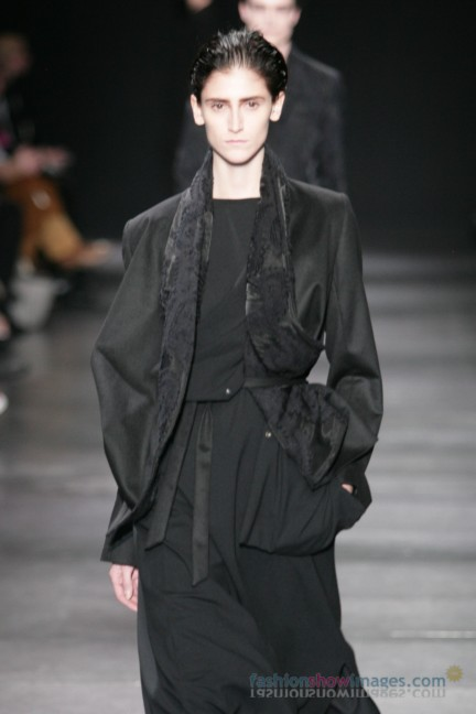 ann-demeulemeester-paris-fashion-week-autumn-winter-2014-29