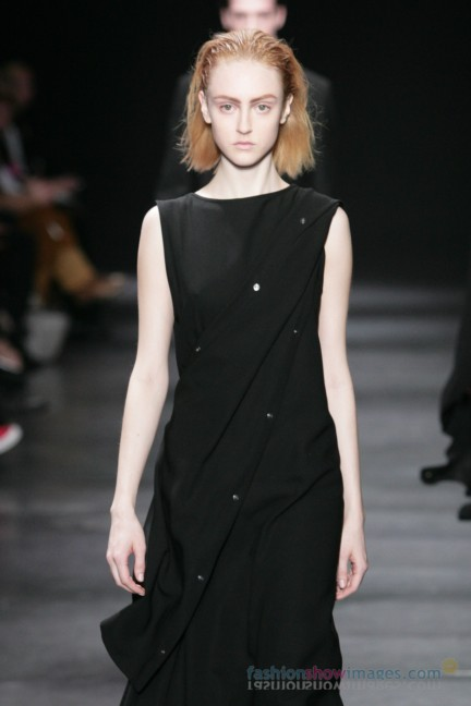 ann-demeulemeester-paris-fashion-week-autumn-winter-2014-34