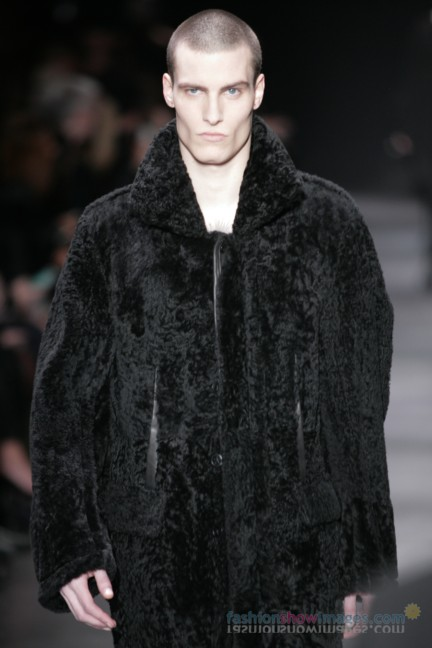 ann-demeulemeester-paris-fashion-week-autumn-winter-2014-36