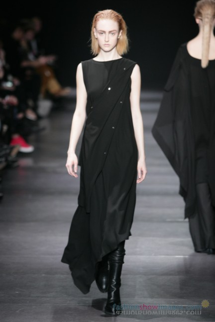 ann-demeulemeester-paris-fashion-week-autumn-winter-2014-37