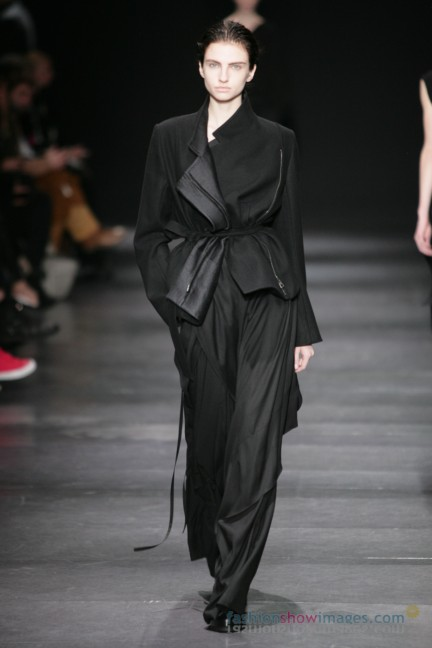ann-demeulemeester-paris-fashion-week-autumn-winter-2014-39