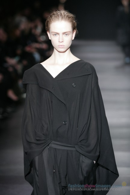 ann-demeulemeester-paris-fashion-week-autumn-winter-2014-42