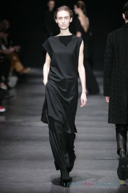 ann-demeulemeester-paris-fashion-week-autumn-winter-2014-43