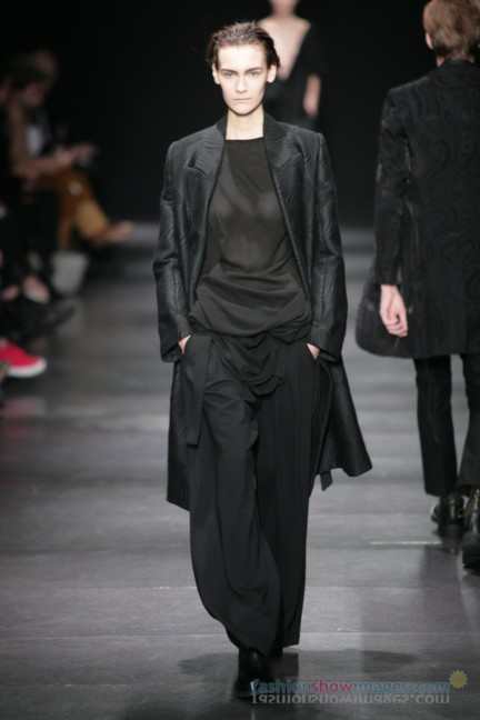 ann-demeulemeester-paris-fashion-week-autumn-winter-2014-45
