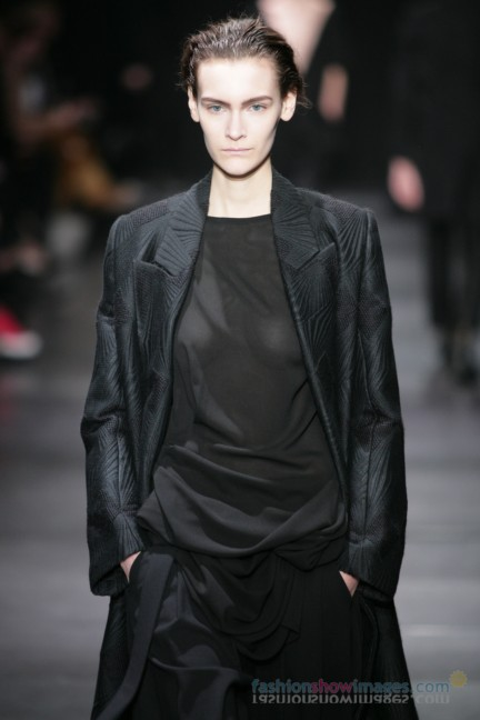 ann-demeulemeester-paris-fashion-week-autumn-winter-2014-46