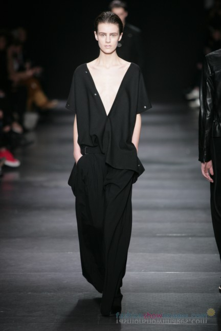 ann-demeulemeester-paris-fashion-week-autumn-winter-2014-47
