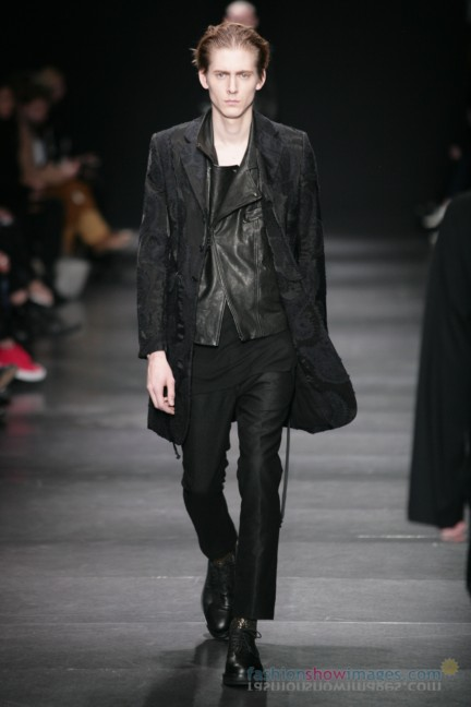 ann-demeulemeester-paris-fashion-week-autumn-winter-2014-51