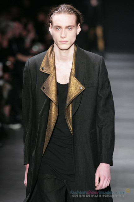 ann-demeulemeester-paris-fashion-week-autumn-winter-2014-8